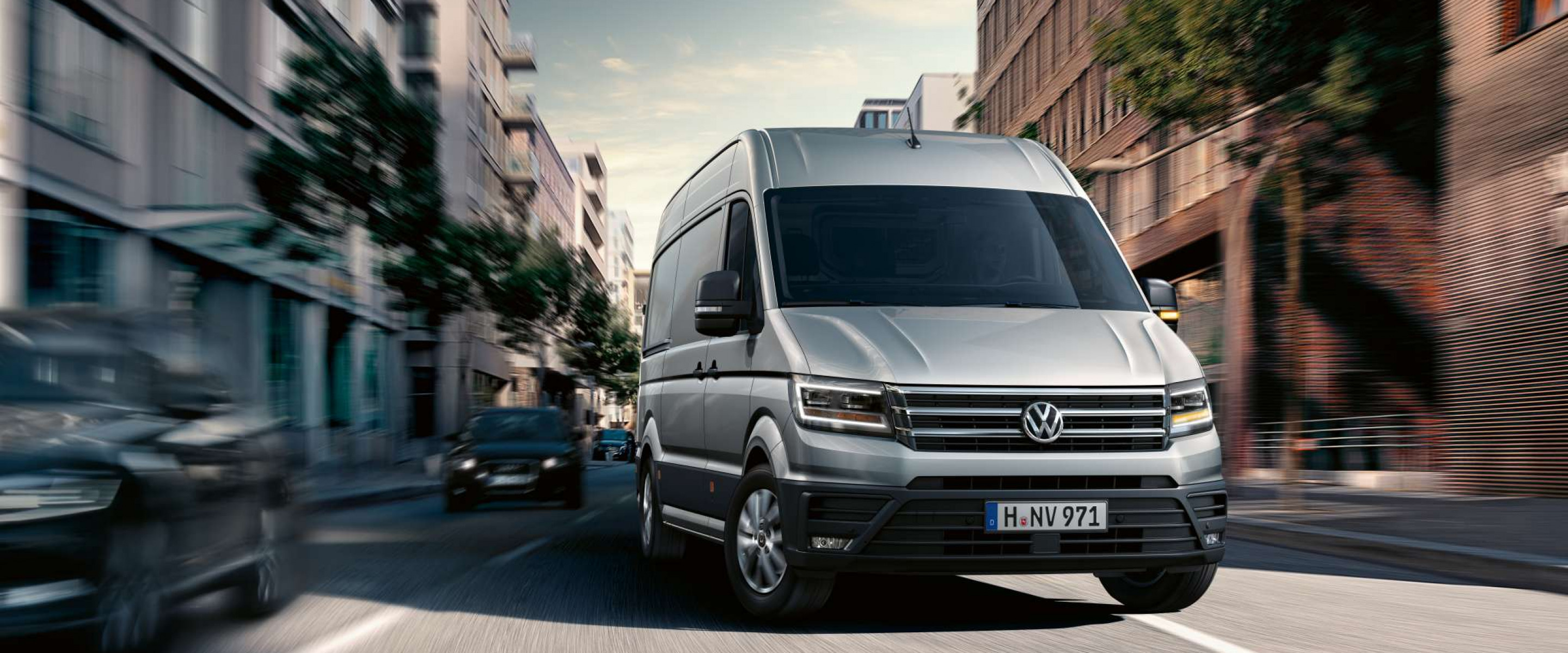 https://aumhyblfao.cloudimg.io/crop/2880x1200/n/https://s3.eu-central-1.amazonaws.com/bourguignon-nl/10/201908-volkswagen-crafter-04.jpg?v=1-0