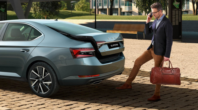 https://aumhyblfao.cloudimg.io/crop/660x366/n/https://s3.eu-central-1.amazonaws.com/bourguignon-nl/02/201909-skoda-superb-hatchback-25.jpg?v=1-0