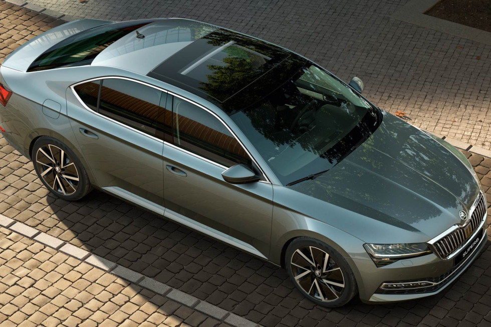https://aumhyblfao.cloudimg.io/crop/980x653/n/https://s3.eu-central-1.amazonaws.com/bourguignon-nl/03/201909-skoda-superb-hatchback-14.jpg?v=1-0
