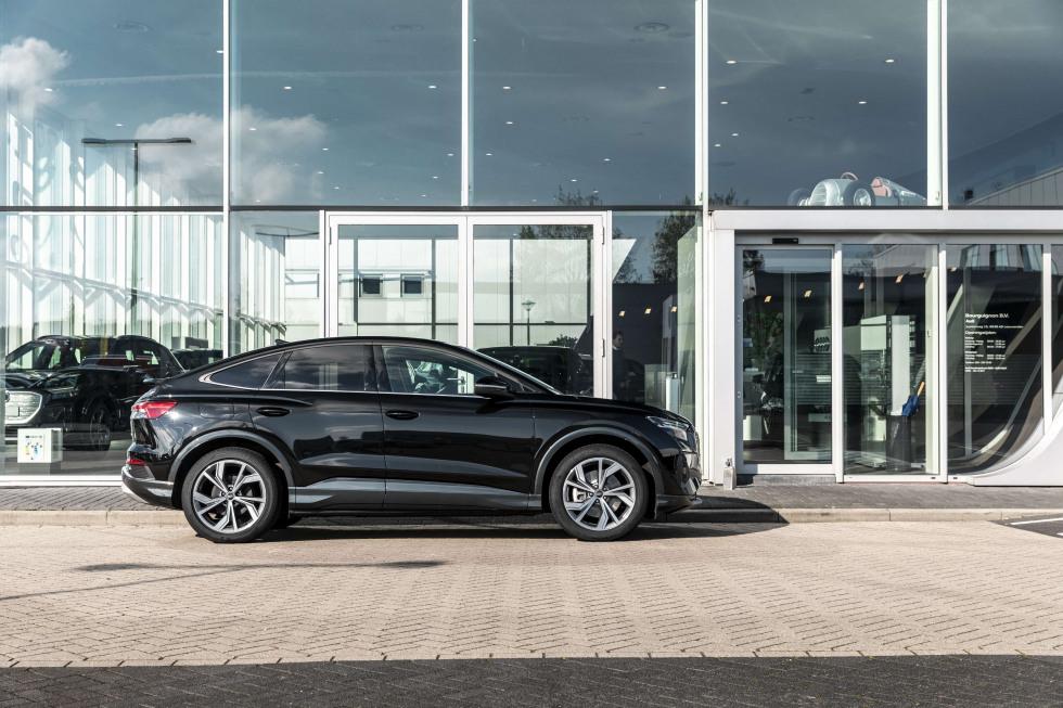 Audi_Q4_Sportback_etron_1