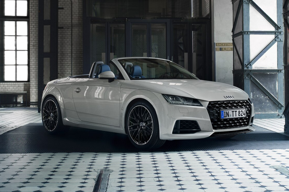 https://aumhyblfao.cloudimg.io/crop/980x653/n/https://s3.eu-central-1.amazonaws.com/bourguignon-nl/05/092019-audi-tt-roadster-05.jpg?v=1-0