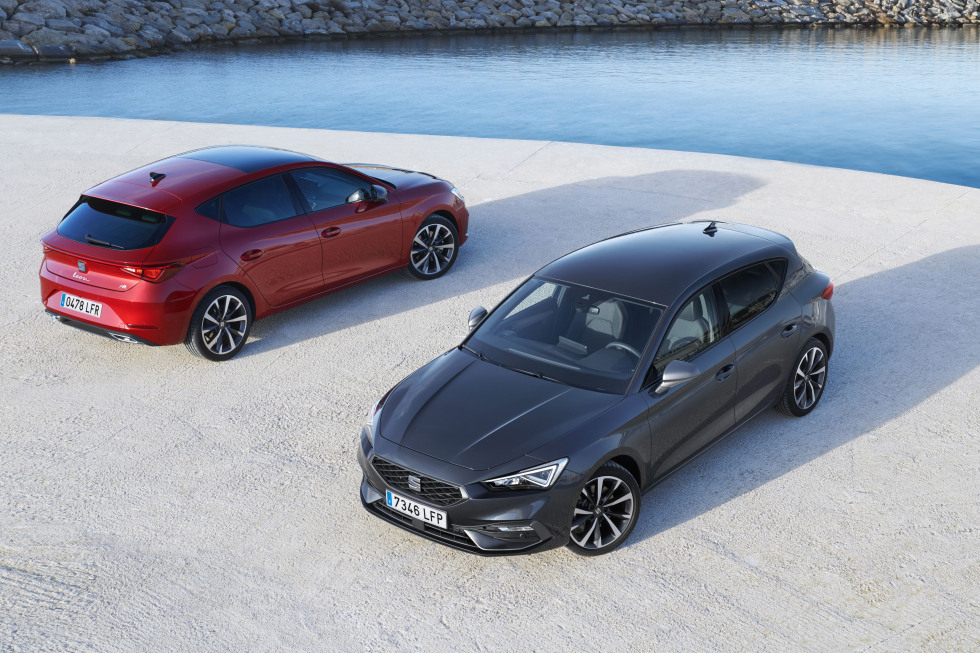 https://aumhyblfao.cloudimg.io/crop/980x653/n/https://s3.eu-central-1.amazonaws.com/bourguignon-nl/07/ipp-all-new-seat-leon-08-hq.jpg?v=1-0