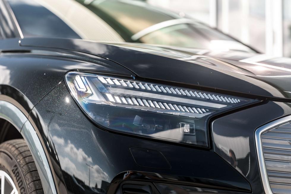Audi_Q4_Sportback_etron_4