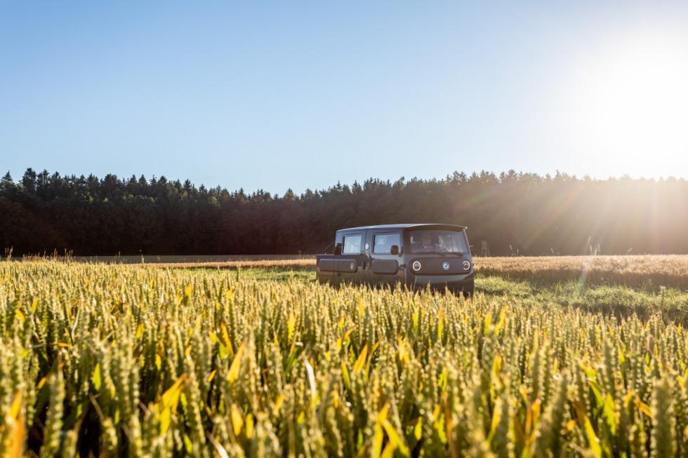 XBUS-exterieur-landschap-zon-groen